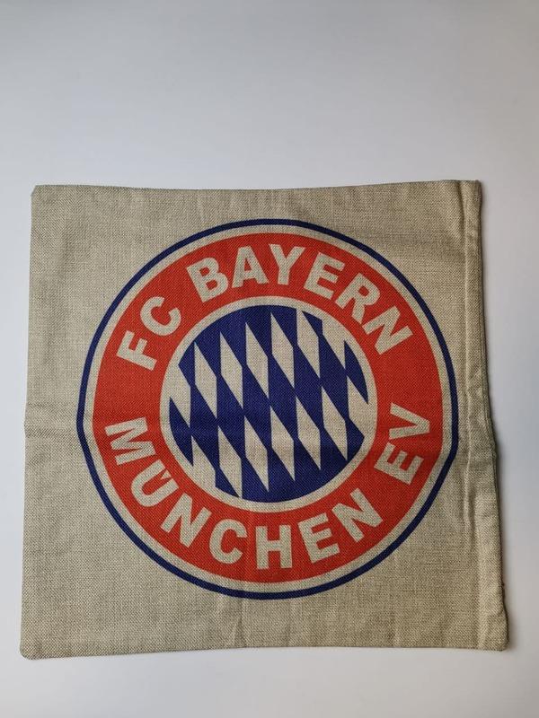 Бавария Мюнхен наволочка на подушку с эмблемой