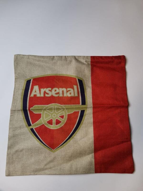 Наволочка на подушку с эмблемой Арсенал