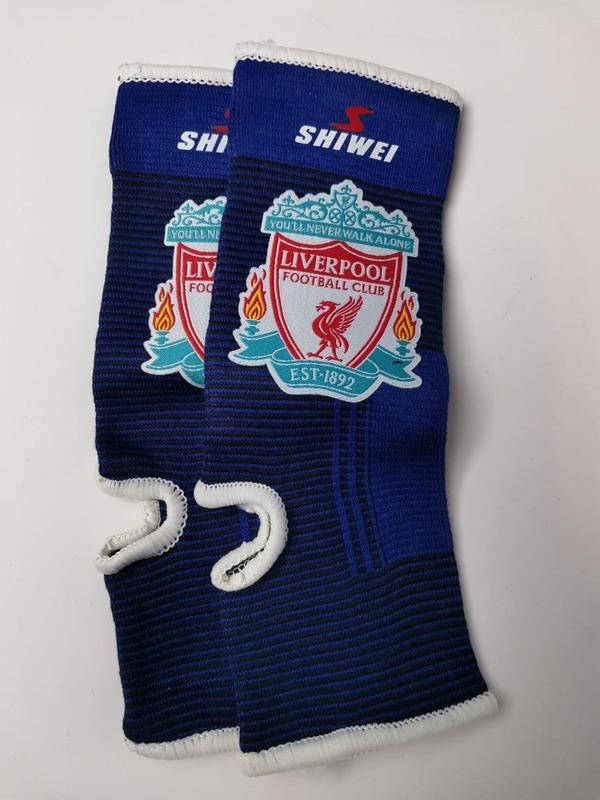 Футбольные бандажи на голень Ливерпуль