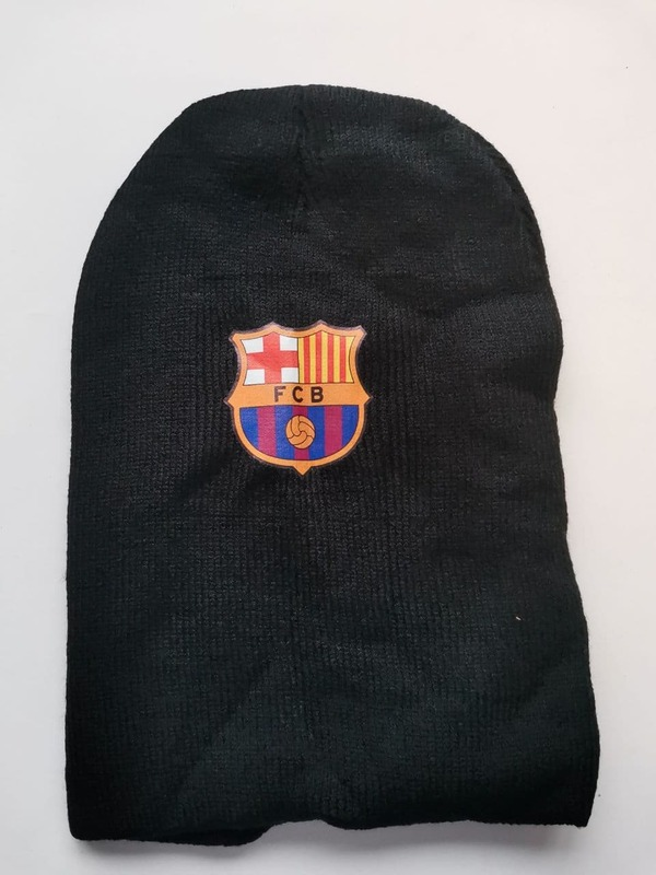 Акриловая шапка черная Барселона