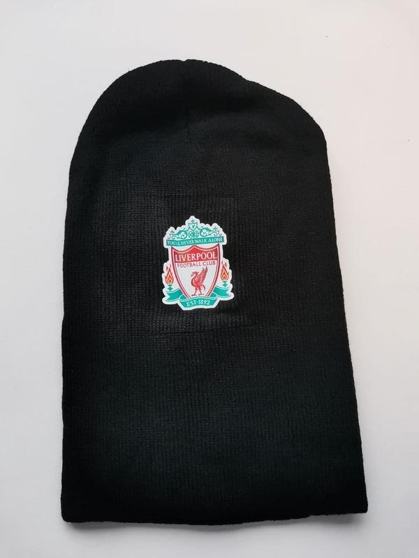 Акриловая шапка черная Ливерпуль