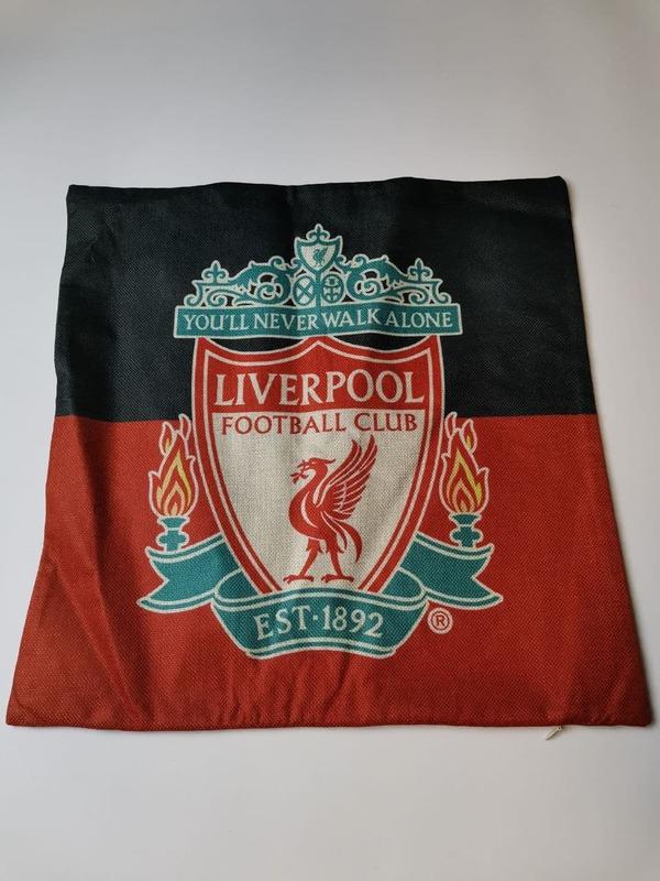 Ливерпуль наволочка на подушку с эмблемой