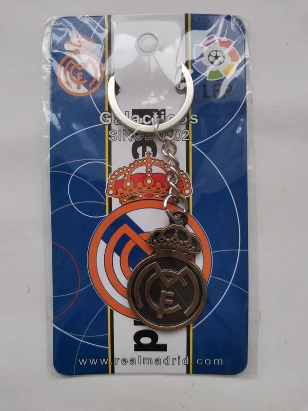 Металлический брелок с эмблемой Реал Мадрид