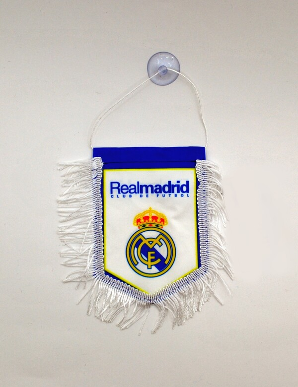 Вымпел Реал Мадрид в машину