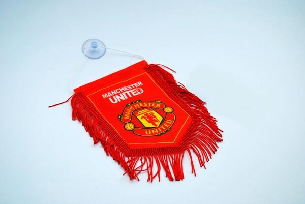Вымпел Манчестер Юнайтед в автомобиль